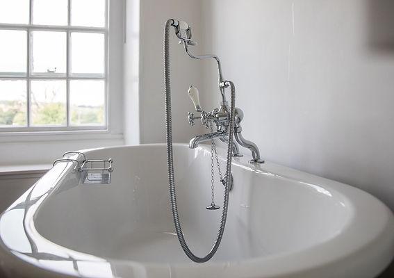 Chafford Park Manor House Roll top bath