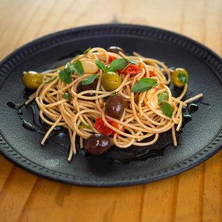 Salada De Espaguete Integral Mediterrâneo