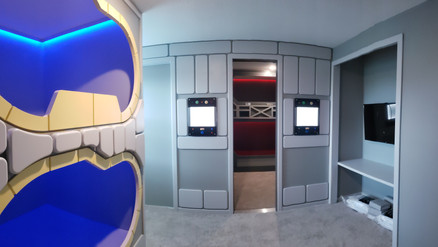 star wars millennium falcon room