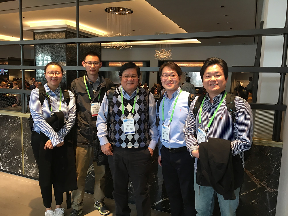 Lunch with Dr. Mien-Chie Hung on the AACR meeting. (Bareun Kim, Ruoxuan Sun, Mien-Chie Hung, Seung-Oe Lim, Se-Hoon Hong)
