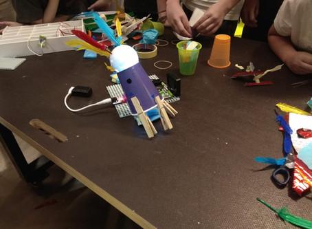 """Taller """"Circuits electrònics i molt més. LittleBits"""" al CosmoCaixa BCN"""