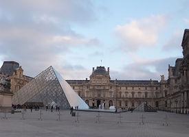 パリ・ルーヴル美術館