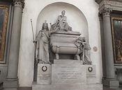 サンタ・クローチェ教会のダンテの記念碑
