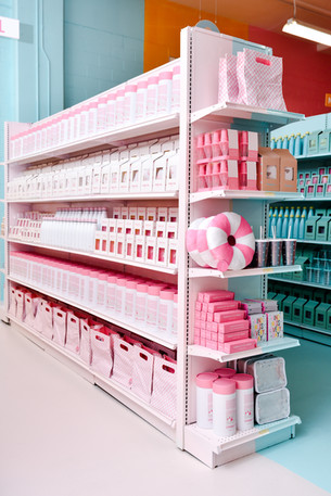 MOIC, the living dream :: pink, sweet & irresistible