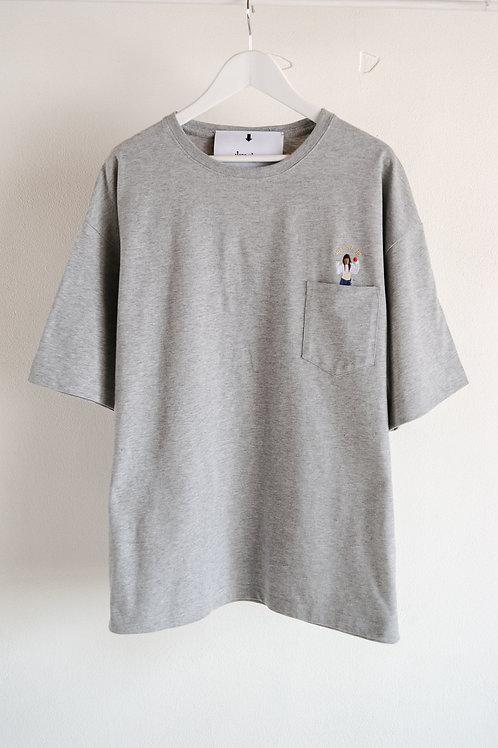 <JONNOVI> Apple Girl T-shirt