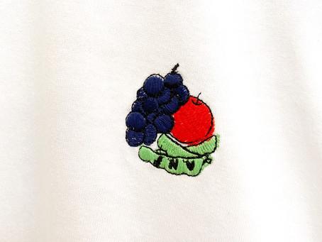 美味しいものを刺繍したTシャツ