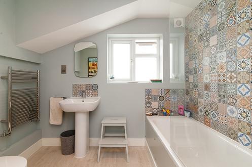 SW13_3 Bed_Bathroom_1_web.jpg