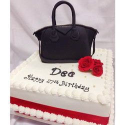 Happy birthday _miss__deexo #givenchy#givenchybag#givenchycake#bagcake#canberra#canberracakes#cakelo