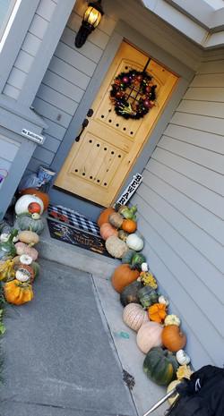 Boo Line up porch