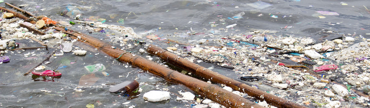 Trash Pollution in Manila Bay, Philippines
