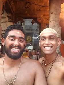 Adhu and Anna at Thiruchendur Kovil - Mo