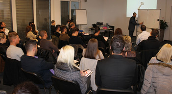 Seminare von Birol Isik.jpg