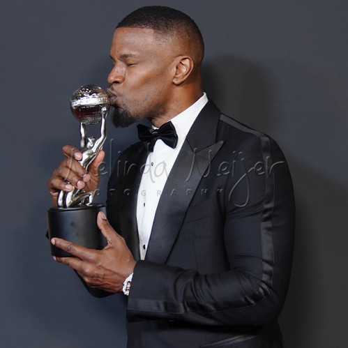 jamie fox kiss 7974.jpg