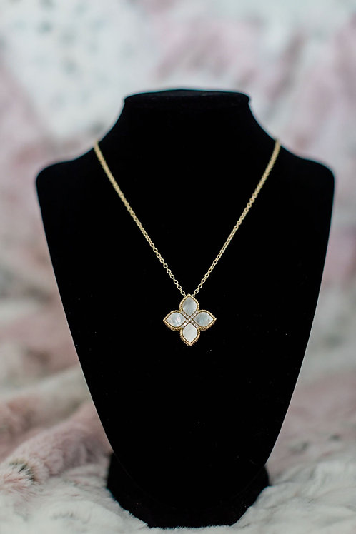 Mother of Pearl Princess Flower Necklace