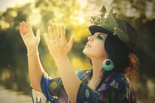beauty-woman-flowered-hat-cap-53956