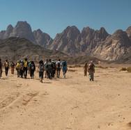 Walking towards Jebel Qattar.