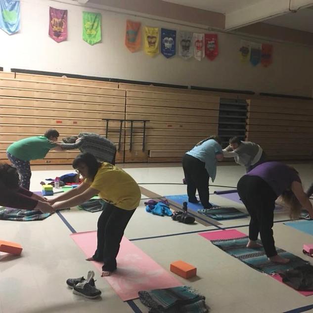 family partner yoga 5