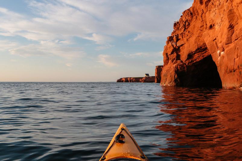 Falaise de grès en Kayak ou Planche à Pagaie (SUP)
