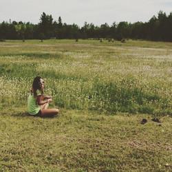 Just sittin in a field of daisies #flowerchild #givemeflowersorgivemedeath