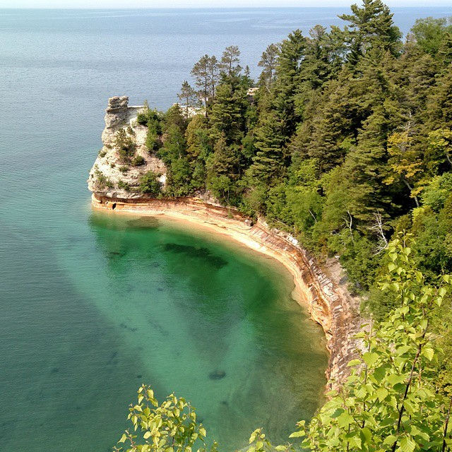 Who woulda thought this was just a few hours from my backyard! #beautiful #michigan #picturedrocks #