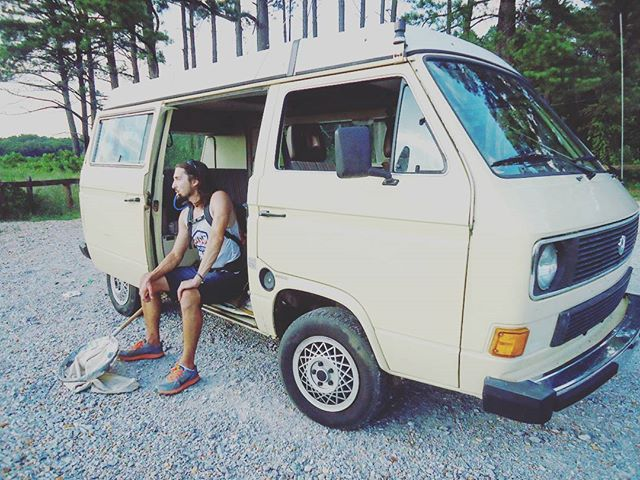 On the search for grasshoppers 🐸🌱 #VanLife #ConserVANtion