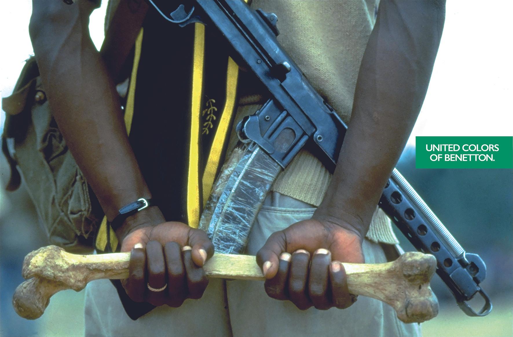 Benetton - Afrikanischer Soldat mit Knochen (1992)
