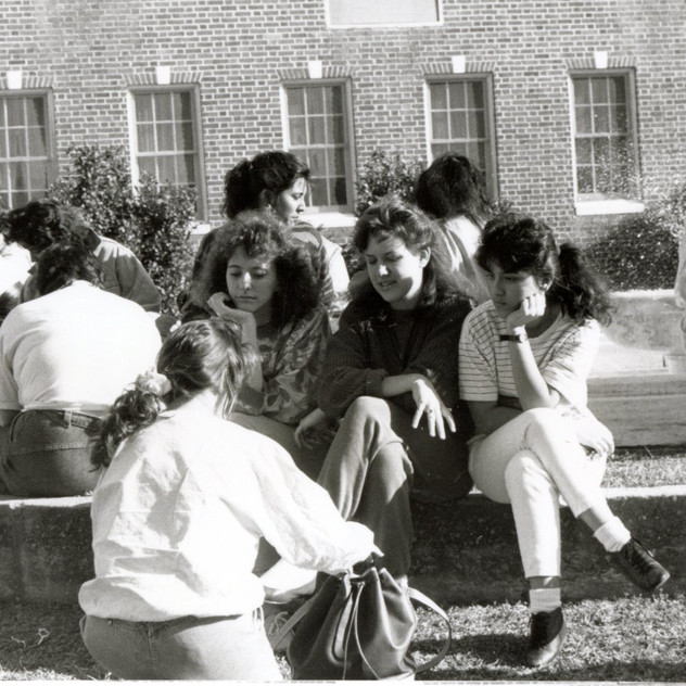 Students_by_Fountain__SNAPSHOT_PHOTO__student_life_Feb_1986