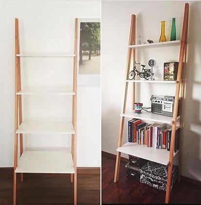 Escalera / estantería combinada