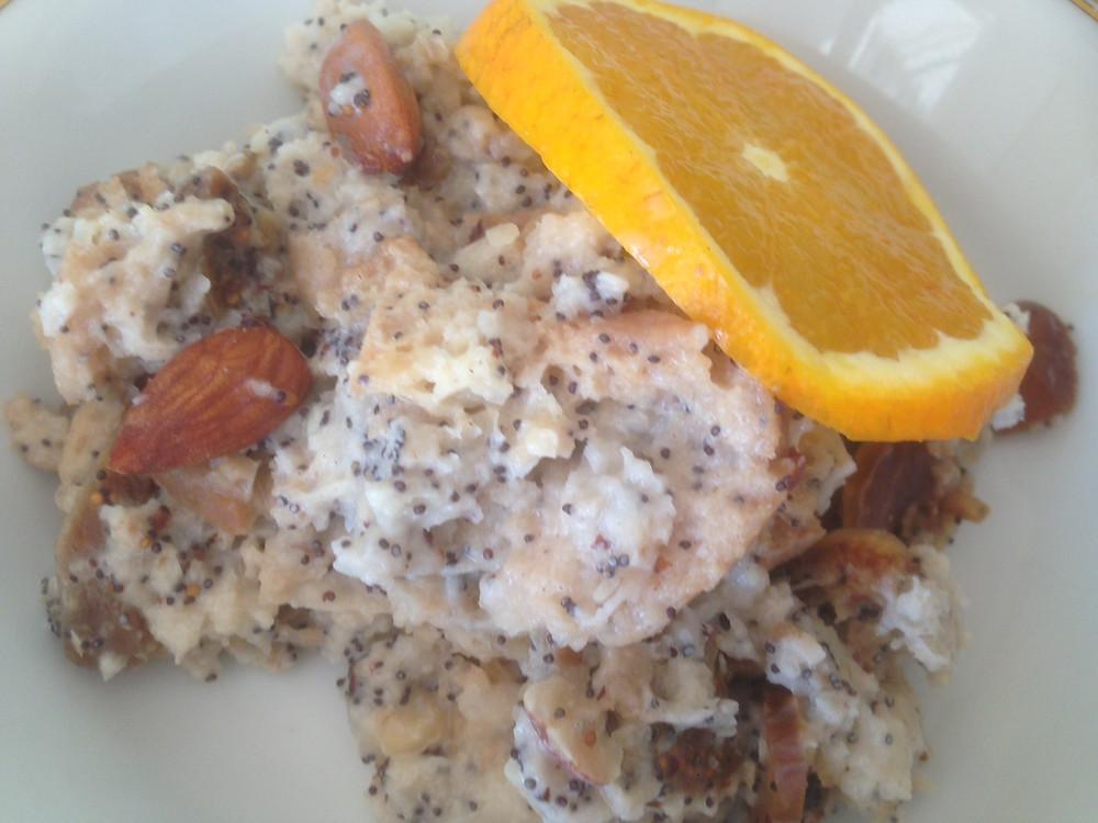 #Mohnspeise #Frühstück vegan #Frühstück warm #TCM Frühstück #altes Brot #nachhaltig #self-made-minimalist #nachkriegsküche