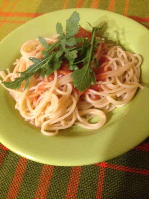 Hagebutten Pastasauce vegan wilde Rauke Wildkräuter Rucola DIY Vitamin C