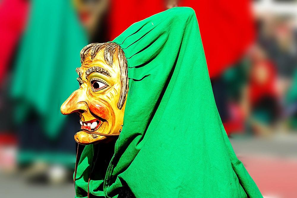Hexe Maske Hexenmaske Gottesurteil Speicheltest
