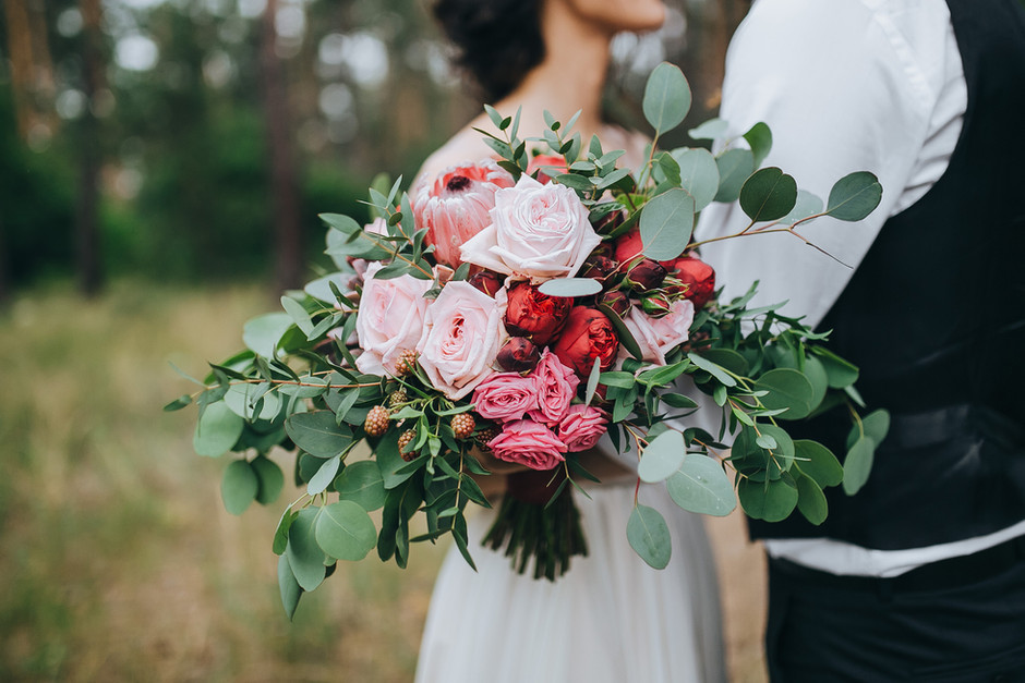 All About Wedding Flowers (and their post-wedding life)