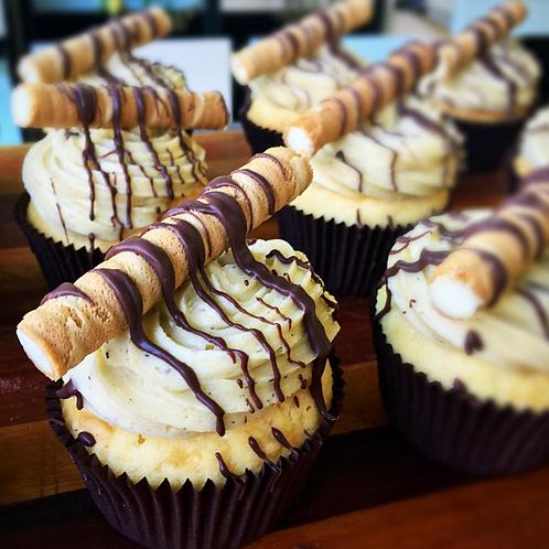 12 Canoli Cupcakes