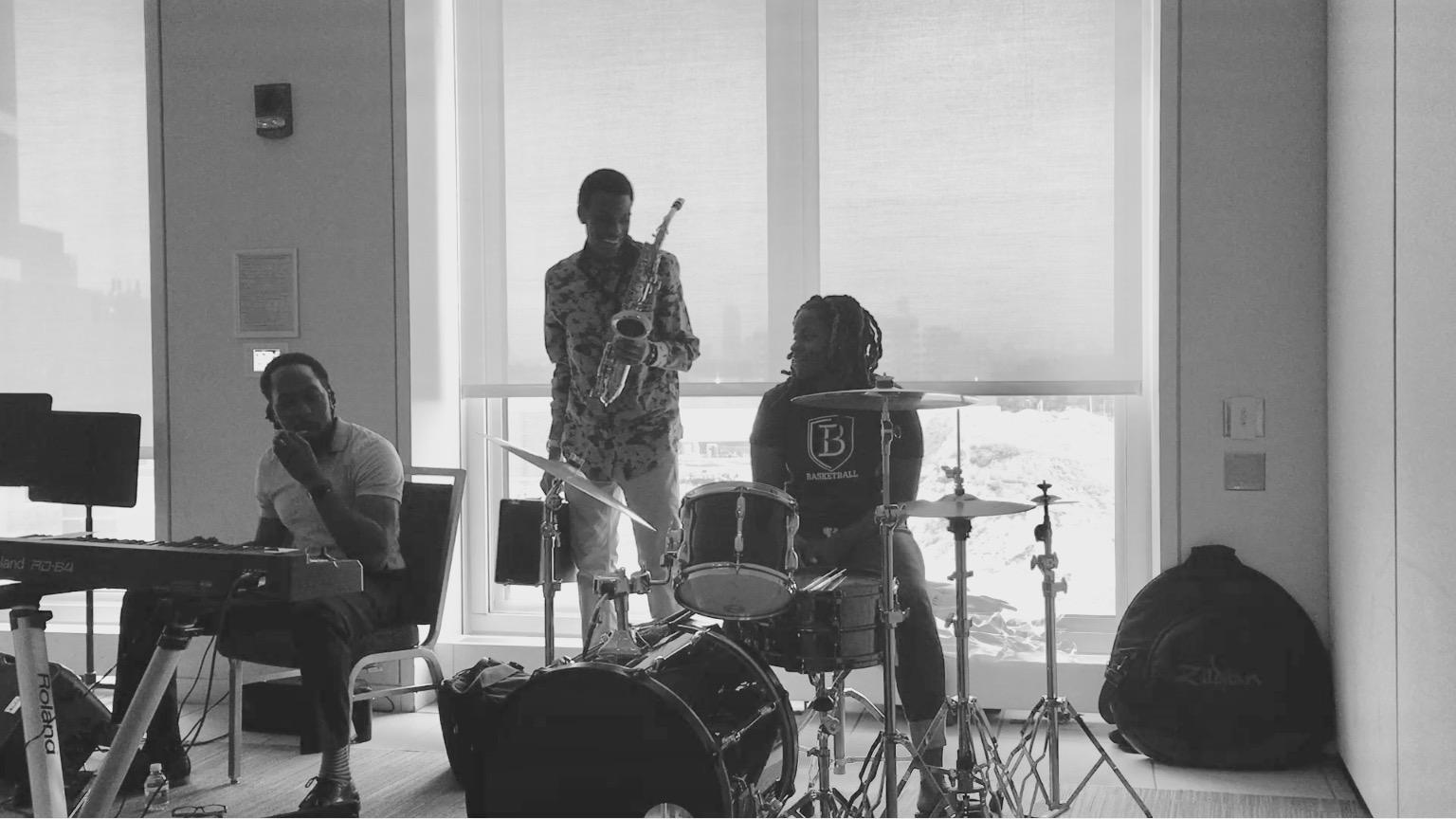 Freedom House 345 Band