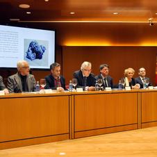 Ozores, Víctor Freixanes (Presidente de la RAG), Xulio Ferreiro (Exalcalde de La Coruña), Miguel Ángel Cadenas (Presidente del TSXG), Alfonso Rueda (Vicepresidente de la Xunta), Carmen Colmeiro (Condesa de Pardo Bazán), y Bussi