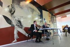 """Bussi con Javier Ozores en una charla informativa sobre la Suite Sinfónica de """"La Tribuna"""""""
