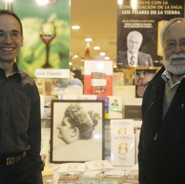 Delante de Librería Arenas