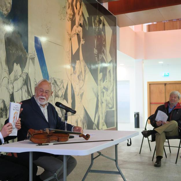 Charla de presentación en Ferrol