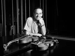 Gabriel Bussi con su violin y su viola
