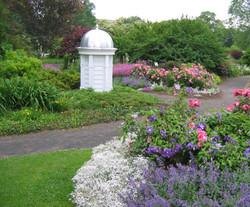Peace-Garden-at-the-Buffalo-and-Erie-County-Botanical-Garden-3