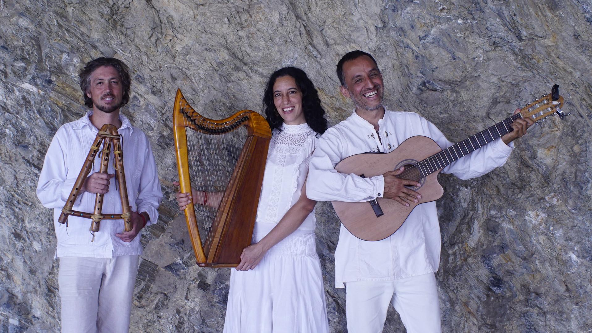 Osiris Heyerdhal, Gabriela Rosales y Rodrigo D. Perez Vega