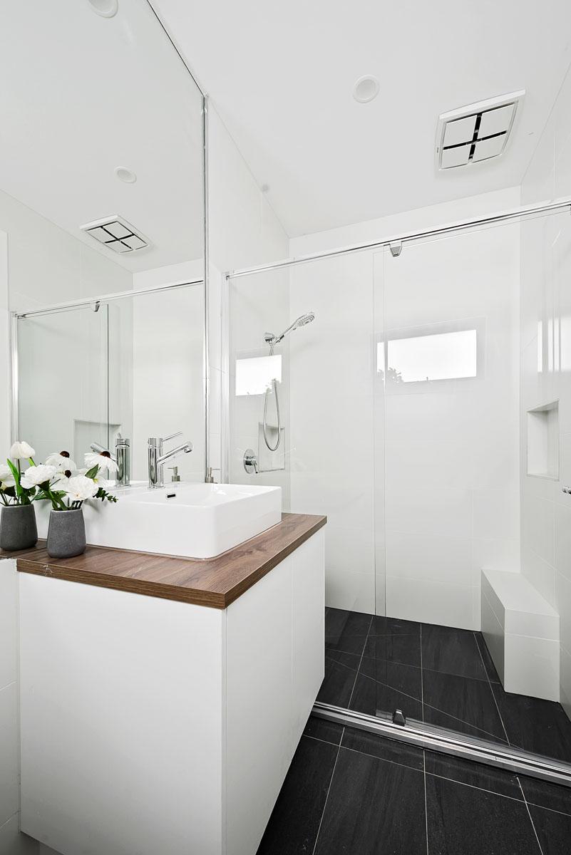 1-11-Montpellier-bathroom1
