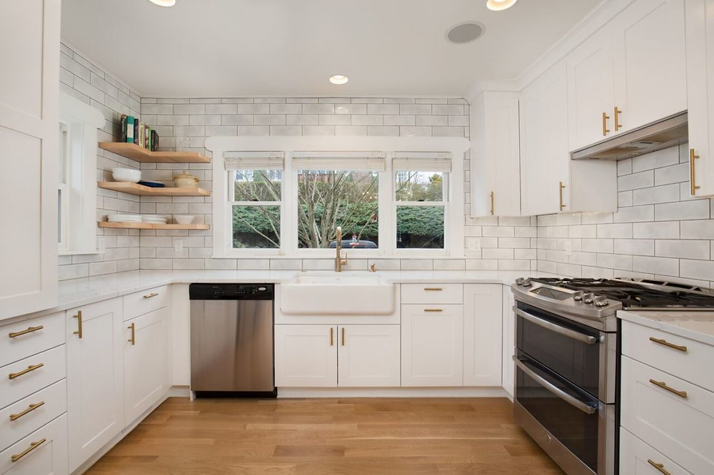Kitchen Remodeling Design With All-White Theme