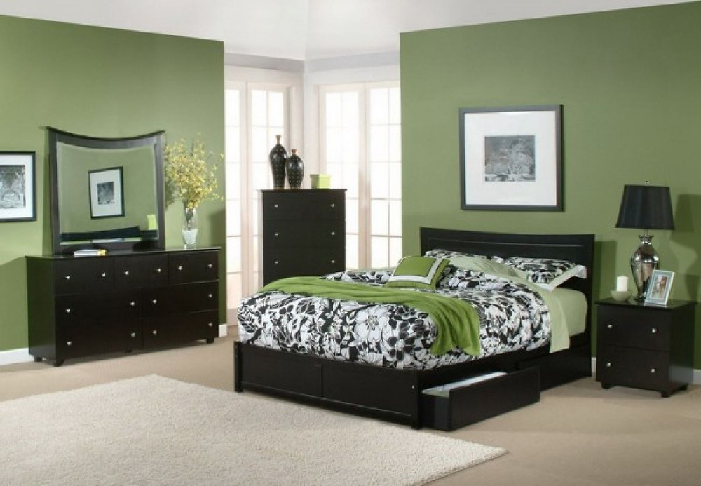 Bedroom Remodel Idea WIth Green Theme In Interior