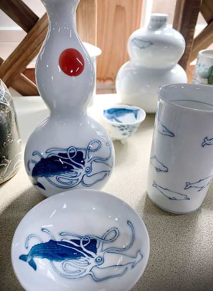 whale-giant squid-porcelain-japan