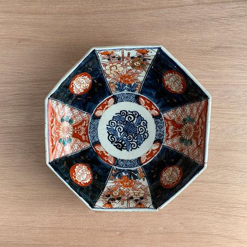 Imari - Arita plate with metal staples