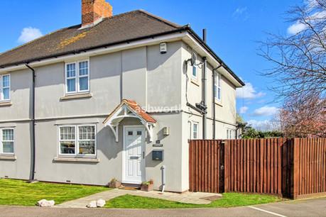 3 bed semi-detached, Gladstone Place, Rainham - Offers Over £340,000