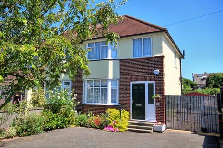 3 bed semi-detached, Waterhouse Lane, Chelmsford - £425,000
