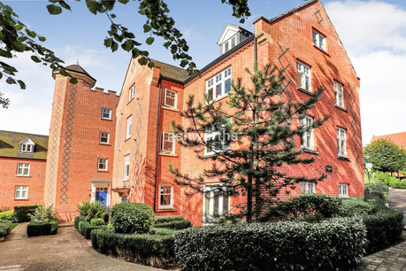 2 bed apartment, The Galleries, Brentwood - Offers Over £375,000
