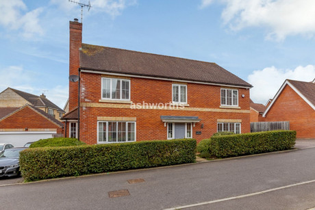 5 bed detached, Glovers, Great Leighs - £625,000 to £650,000